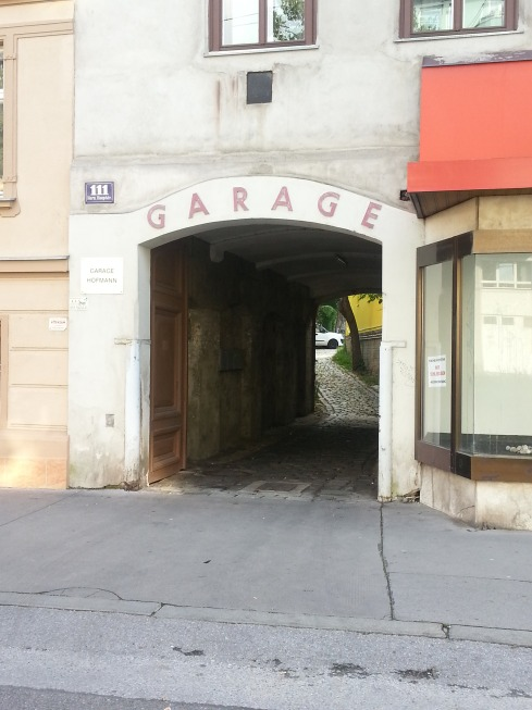 garage on hernalser hauptstrasse_01